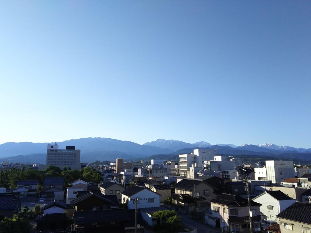 2017/06/15_宿から朝の立山連峰を望む
