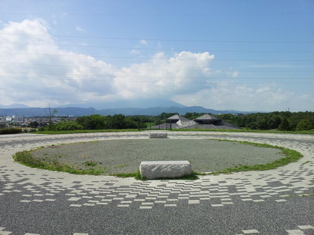 2018/07/14_中央公園展望台から岩手山を望む
