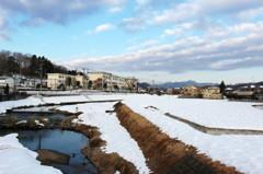 雪の積もった風景