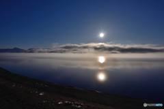 満月屈斜路湖