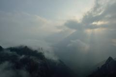 雲海を射す