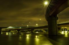 嗚呼、港大橋夜の顔