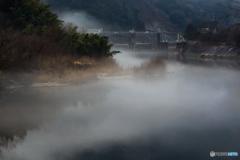 矢作川雨模様