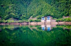 新豊根発電所取水口
