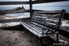 老椅子と海