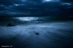 月明かりの海岸