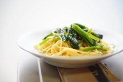 ホウレン草のバター風味スパゲッティ