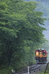 雨の中野駅