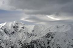 笠ヶ岳と雲