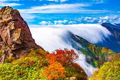 流れる滝雲