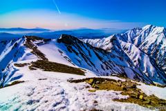 北アルプス 五竜岳と唐松岳頂上山荘