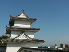 明石城 巽櫓と明石大橋
