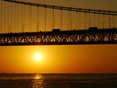夕日 明石海峡大橋