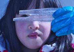 氷を持つ少女