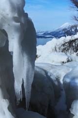 氷の彫刻と磐梯山