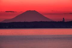 富士山を拝む大仏様