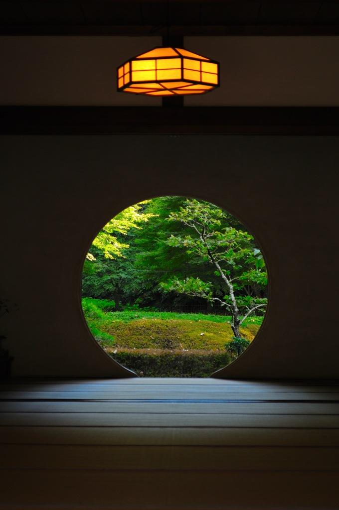 神無月の円窓…2