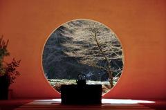 冬晴の円窓…1