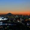 暮れなずむ富士山