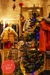Xmas Tree in heartwarming shop