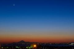 月、富士山、そして東京タワー