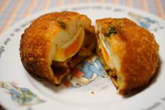 マロンド 半熟卵入カレーパン
