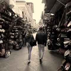 中央市場前の恋人達