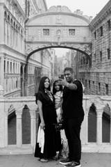 ため息橋と微笑み家族