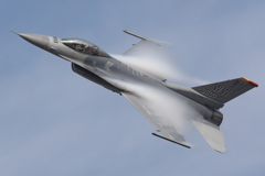 F-16 曲技飛行展示