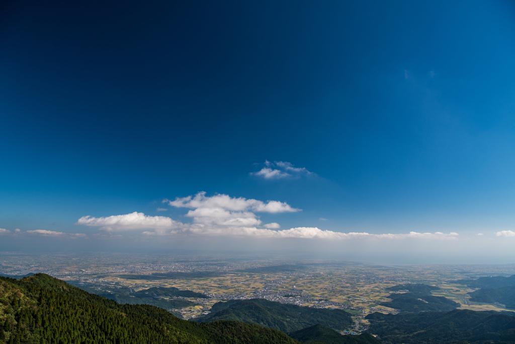 雲が影を落とす佐賀平野