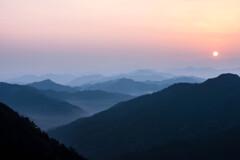 紀伊山地の夜明け