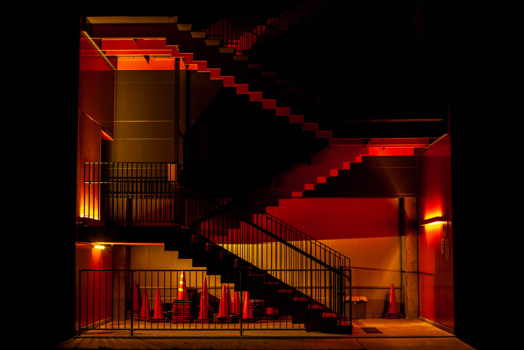 真夜中の非常階段