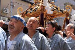 神輿の男たち2