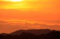 朝陽に染まる槍ヶ岳
