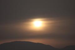 黄砂の夕暮れ