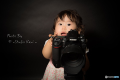 カメラ女子?「は〜い撮りますよ〜」