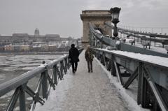 クサリ橋とドナウ川