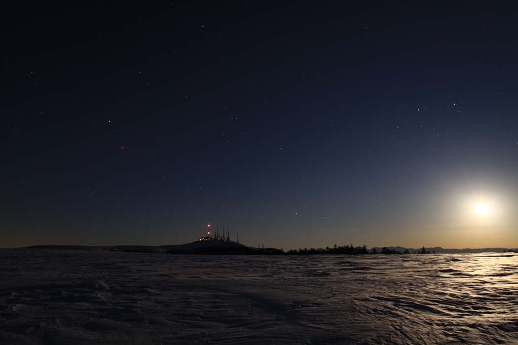 月夜の大雪原