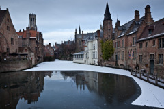 いにしえの街を映す氷鏡
