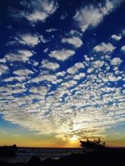 西から流れ雲