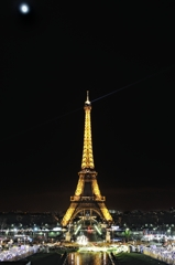 Moon light Eiffel