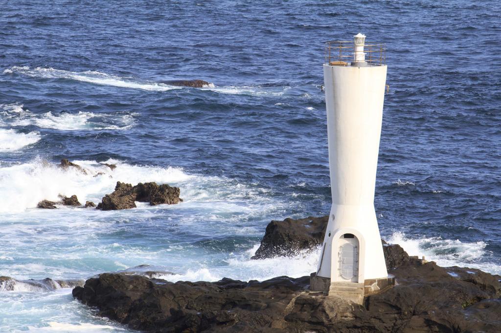 城ヶ島の小さい方の灯台