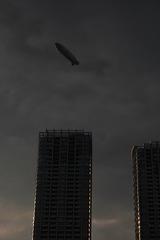 ビルと飛行船