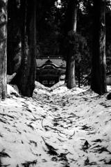 雪中の古刹