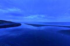 袰部川の水鏡