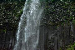 柱状節理と滝 ~双竜の滝高速SS~