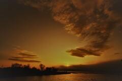龍の舞う夕空