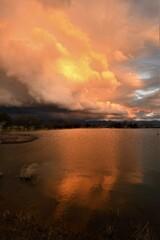 東の空の夕焼け(縦撮り)