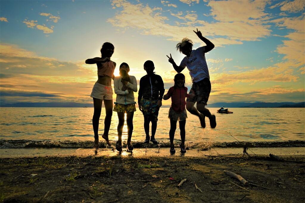 家族そろってジャンプ!