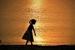 湖畔の少女